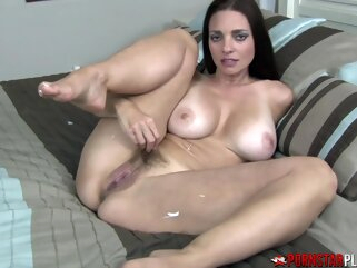 Ozeex big ass big tits brunette